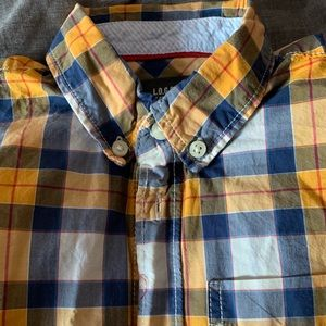 Boys button up shirt sz 4-5. Great used condition